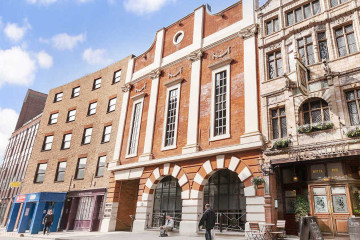 Commercial property exterior on 111 Charterhouse Street, Farringdon, London, let by Anton Page