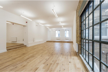 Commercial property large office with wooden flooring on 144-145 Shoreditch High Street, London let by Anton Page