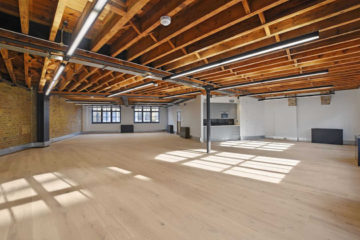 Ironwood Works, large office with wooden beams on 73 Great Eastern Street, Shoreditch let by Anton Page